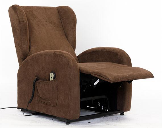 Free si adatta anche alle esigenze di relax del pubblico giovane in virt della sua estrema - Poltrona letto piccole dimensioni ...